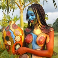 African Vase Bodypainting