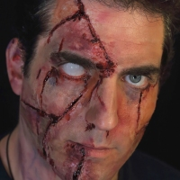 Theatrical-Make-up-Facial-Gashes